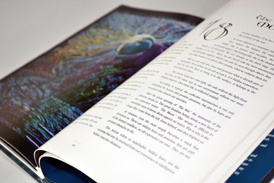 "Book ""The Arcana in Silk"""